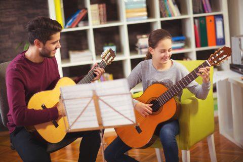 Prendre des cours pour apprendre à jouer d'un instrument